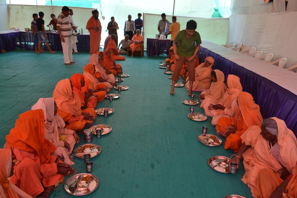 Sadhu Bhandaras Continue - May 14
