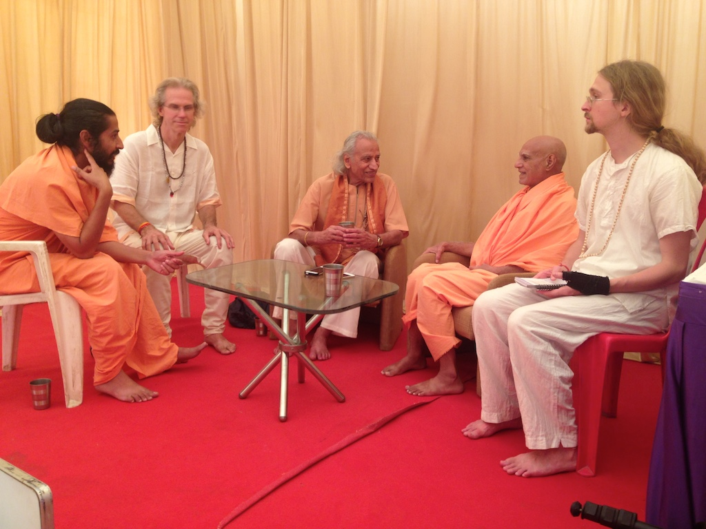 With Sadhus - Yogi Amrit Desai 3