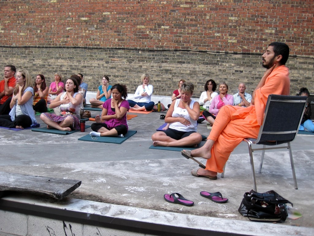 at-downtown-yoga-center-london-its-high-time-we-connected-with-our-inner-rythm