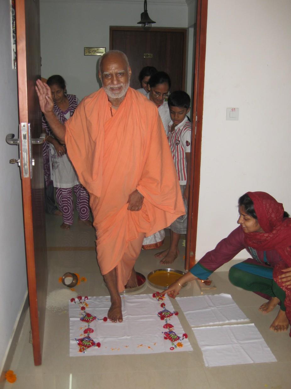 11th June. Griha Pravesh At Kochi. Devotee Pooja Somani\'s new house was blessed thus. She has kept the imprint of Maharaj Ji\'s feet as a sweet, holy memory.