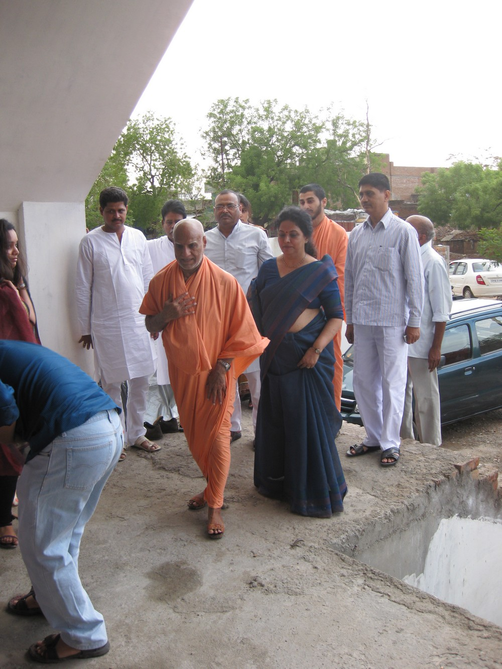 31st May, With devotees at Jhansi