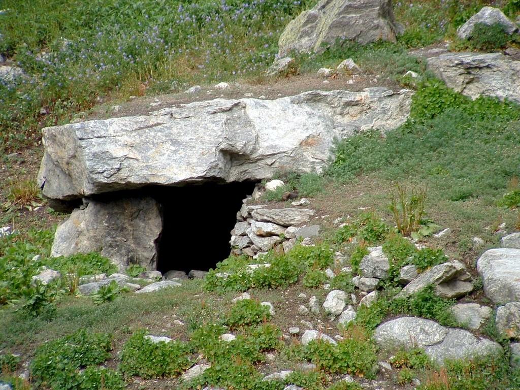 11 Laxmiban uphill