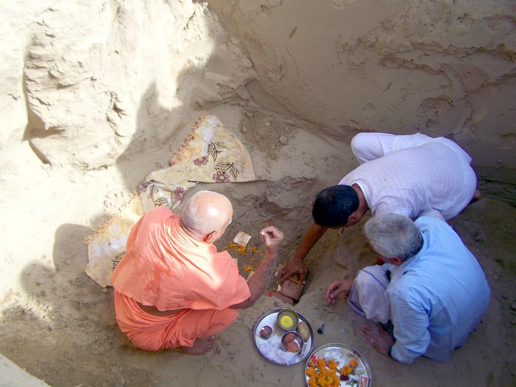 k-bhumi-pujan-with-atthi-ji