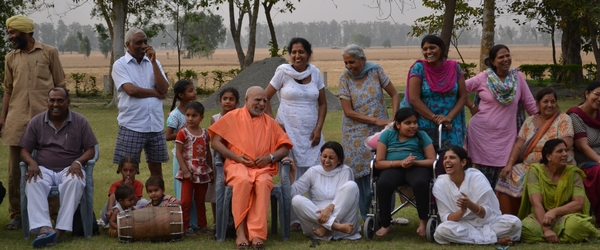 14-22 April, 2013: Swami Buddh Puri Ji Maharaj (Maharaj Ji) and co-travelers returned to the Shabad Surat Sangam Ashram late on the evening of 13 April after their visit to Gujrat...