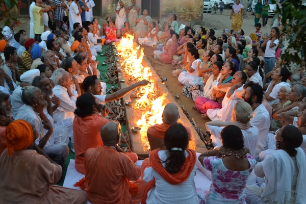 Agni Kriya Practice on the eve of the Nirvana Divas at Kila Raipur