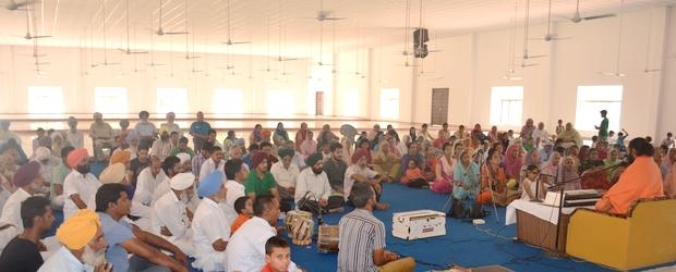 Swami Suryendu Puri in Malke Ashram Satsang