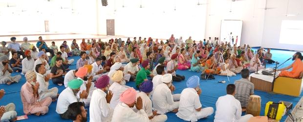 Swami Suryendu Puri in Malke Ashram monthly Satsang