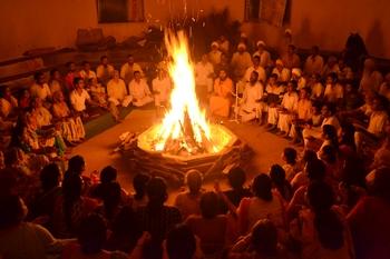 A scene from one of the Agni Kriya sessions during the Dusshera Sadhana Shivir, 2015.