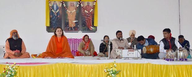 24 January 2018, Harisar Ashram, Kila Raipur: Well, it was the 35thNirvana Mahotsav of Swami Dyal Puri Ji Maharaj, and also the concluding day of 1st sadhna shivir camp on […]
